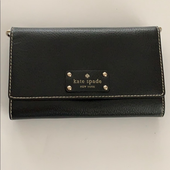 kate spade Handbags - Black Kate Spade Crossbody w/out strap